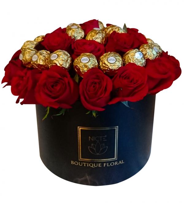 Flores en Caja con Chocolates