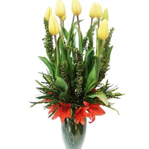 Arreglo con tulipanes y lilis