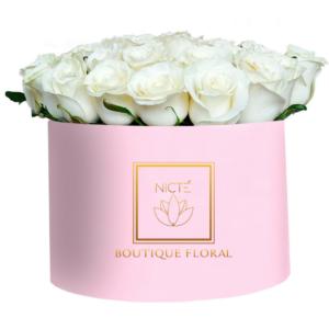 Flores en caja rosas blancas