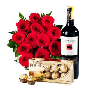 Ramo de rosas vino y chocolates
