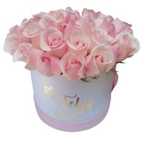 Caja de rosas rosadas «feliz día»